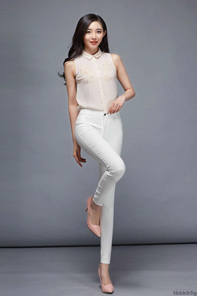 穿上显高挑的紧身裤, 出彩设计凹身材曲线美