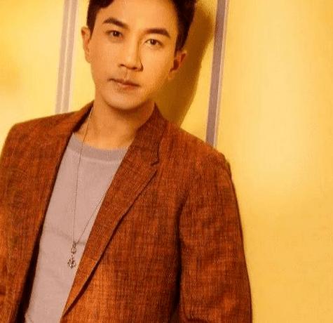"""曝王鷗未婚先孕? 45歲劉愷威老來得子? 網友: """"夜光劇本""""被坐實?-圖1"""