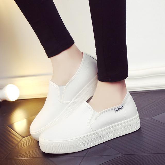 """小白鞋已过时了, 火遍时尚圈的""""一脚蹬"""", 连赵薇、杨幂都在穿 8"""