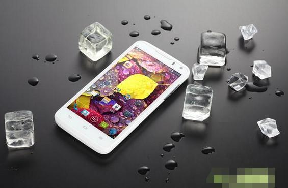 """华为手机的""""重力键盘""""是什么概念? 网友: 玩过这个的才是花粉!"""