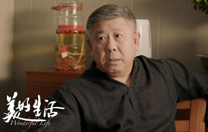 """63歲老戲骨程煜大變樣? 煙酒不離身, 好似""""邋遢大叔""""-圖3"""