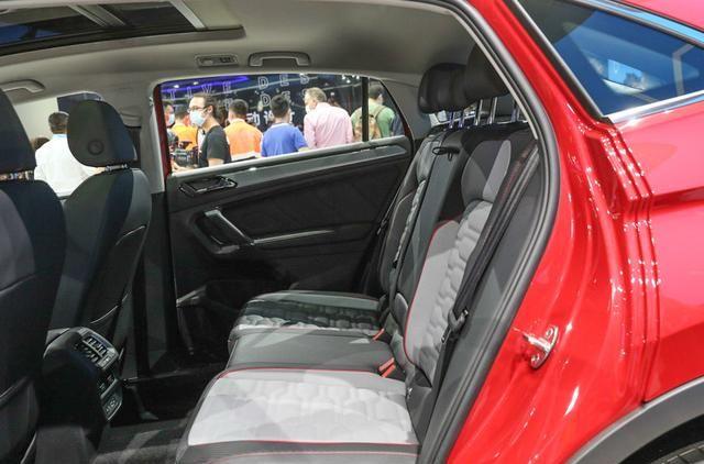 大眾途觀X采用溜背設計, 車型定位於中型SUV, 搭載2.0T排量-圖10