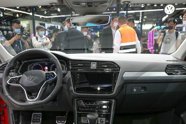 大眾途觀X采用溜背設計, 車型定位於中型SUV, 搭載2.0T排量-圖7