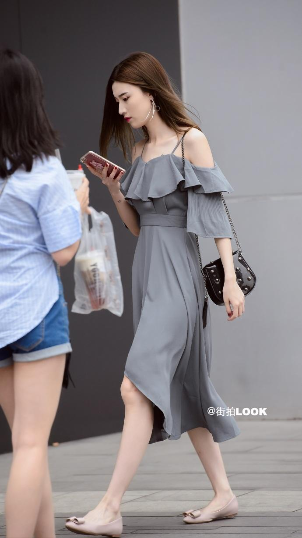 街拍时尚秀: 成都路人街拍, 美若天仙的小姐姐, 气质最重要 3