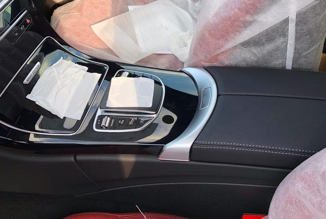 2021款奔馳C級實拍! 寶石藍色車身很洋氣, 售30.78萬元起-圖10