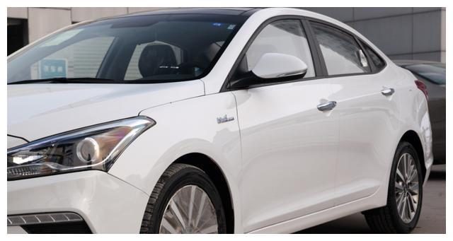 讓步3萬救瞭自己, 6月份賣出5023臺, 成瞭最厚道的合資轎車-圖4