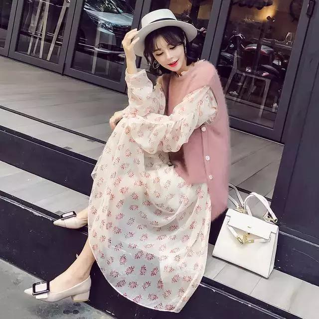 搭配这样一套毛衣, 让闺蜜看起来漂亮了