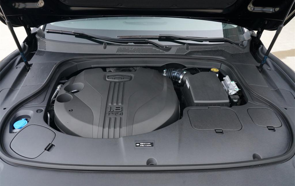 最憋屈的國產B級車!長4986mm,油耗僅5.8L,跌至10W出頭仍賣不動-圖2