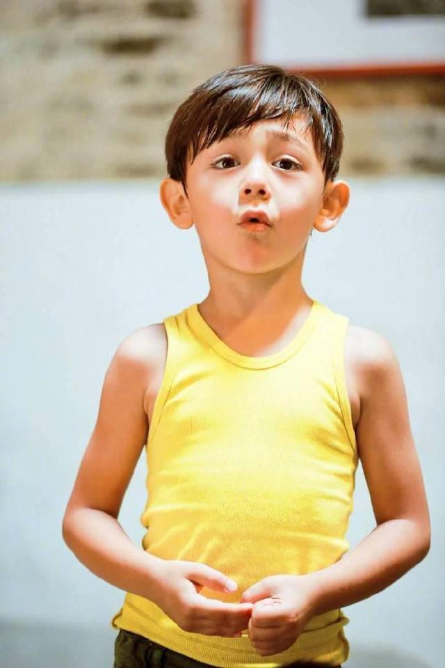 劉燁10歲兒子諾一近照曝光, 網友調侃: 越來越像陳冠希-圖12