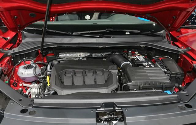 大眾途觀X采用溜背設計, 車型定位於中型SUV, 搭載2.0T排量-圖11