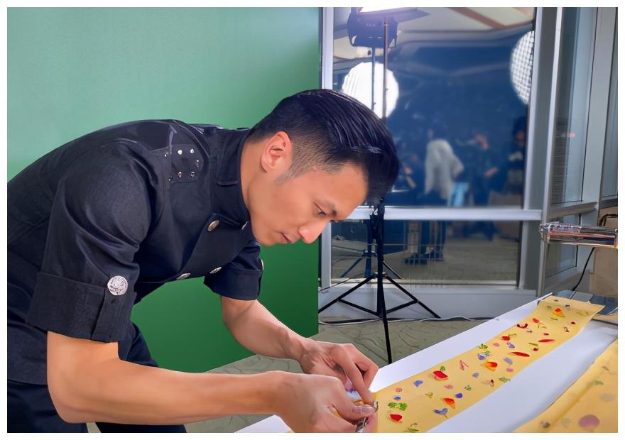 謝霆鋒時隔四年在獲廚師大獎, 把興趣做成專業的瞭, 王菲有口福瞭-圖2