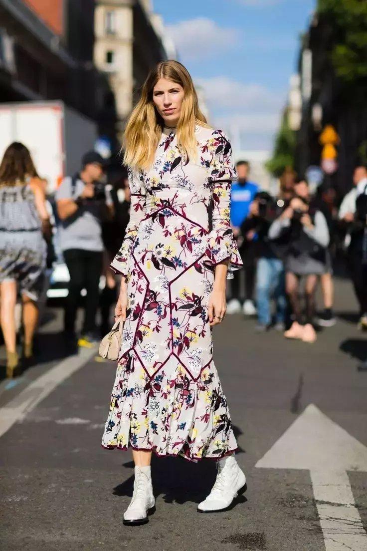 裙子+短靴才是初秋最时髦搭配! 33
