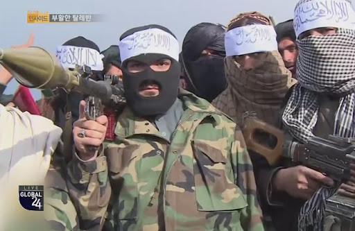 韓國人驚瞭: 不少塔利班戰士身穿韓軍舊制服, 甚至姓名牌都沒撕-圖2