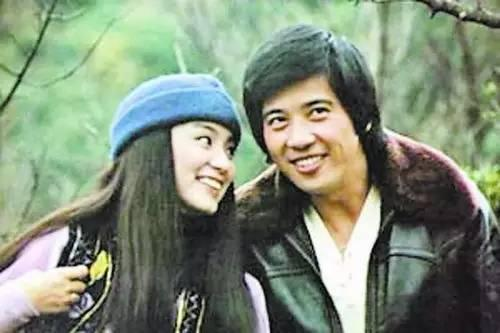 林青霞40年前穿的旧衣服, 比你身上穿的要时髦! 24