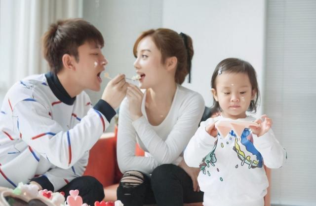 賈乃亮為甜馨慶生, 父愛滿滿: 這才是夫妻離婚後最正確的相處方式-圖6
