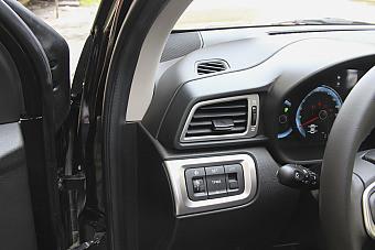 哪款配置更丰富 2015款金杯智尚S30 PK 2016款骏派D60
