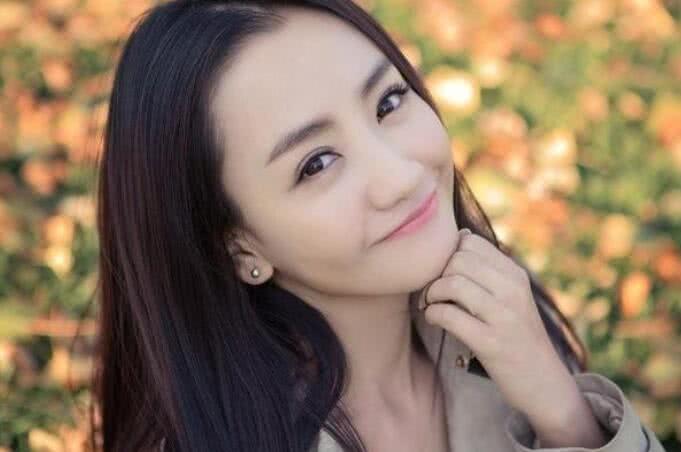 """娛樂圈中""""捧不紅""""的4大女星, 景甜上榜, 最後一位最可惜-圖4"""