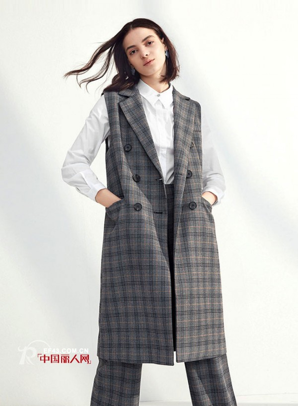 春季格子西装里面配什么 伊芙丽女装格子西装搭配 1