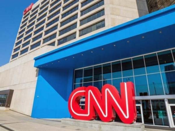 """諷刺! CNN制片人報道民眾抗議被捕, 警察還問""""你會講英語嗎? """"-圖1"""