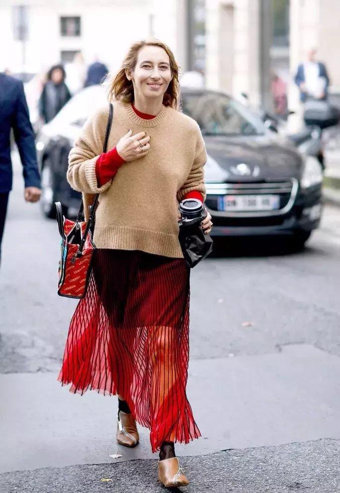秋冬毛衣+长裙才是绝配, 让你在冬天柔美又飘逸! 6