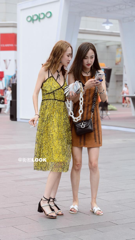 街拍时尚秀: 成都路人街拍, 美若天仙的小姐姐, 气质最重要 1