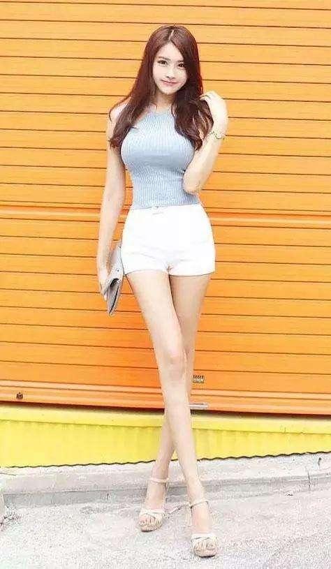 聪明的姑娘在夏季会选择短裤的, 青春减龄又时尚 4