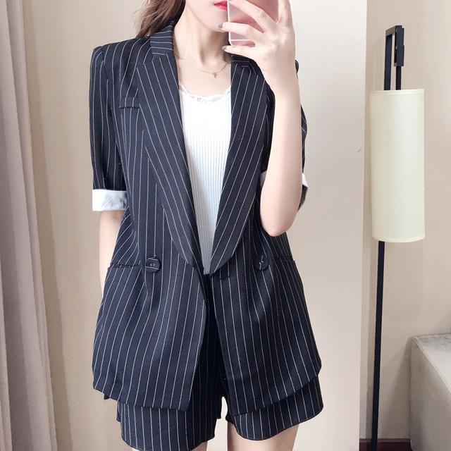 如果办公室的女同事都这么穿, 我觉得加班还是挺幸福的 2