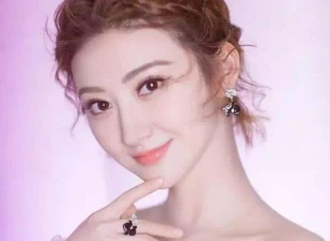 """娛樂圈中""""捧不紅""""的4大女星, 景甜上榜, 最後一位最可惜-圖2"""