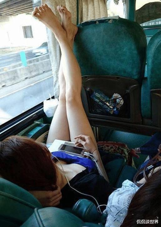 """""""坐長途車遇到個極品妹子, 這誰還能睡得著? """"這誰受得瞭啊哈哈哈-圖2"""
