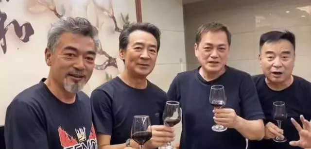 四大瓊瑤男神齊聚, 人還是那個人, 網友: 終歸是英雄遲暮瞭-圖1