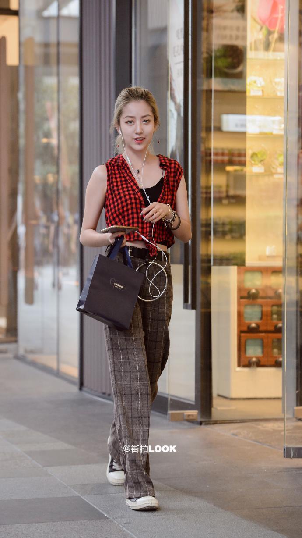 街拍时尚秀: 成都路人街拍, 美若天仙的小姐姐, 气质最重要 9
