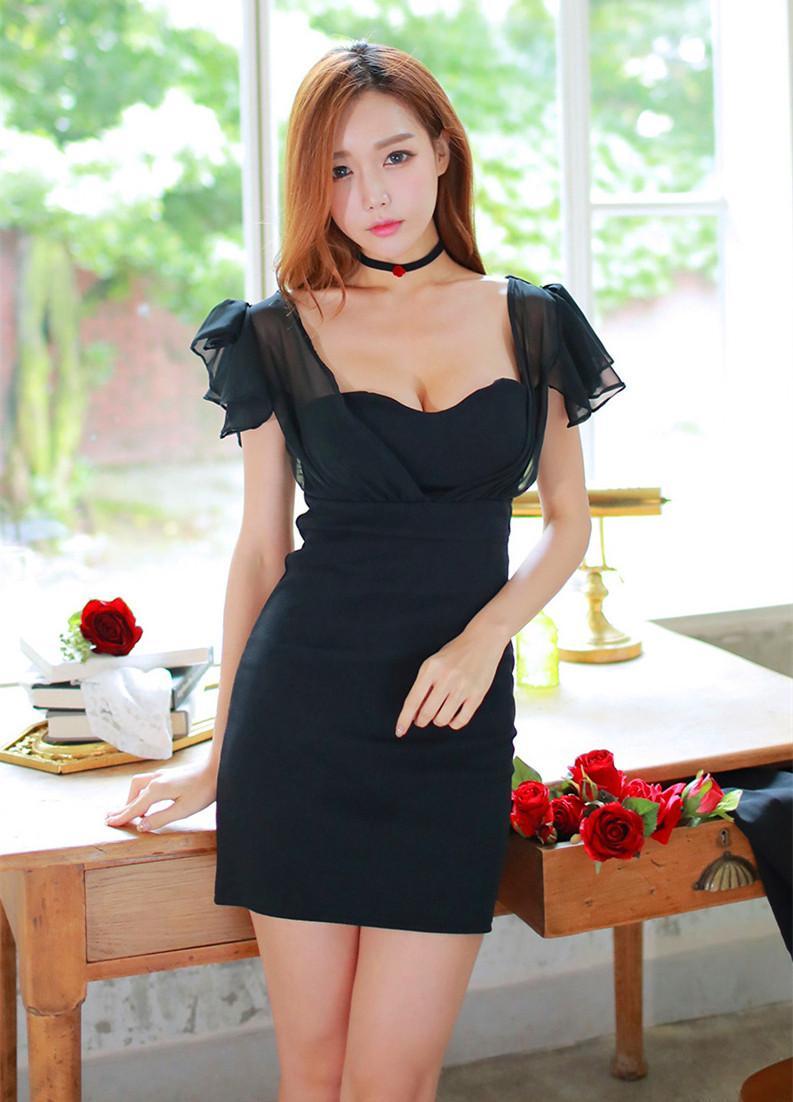我最喜欢女票穿这的这套黑色连衣裙, 走在接上倍有面子 1