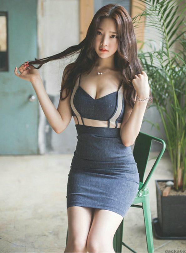 连衣裙巧搭时髦, 穿出可人曲线