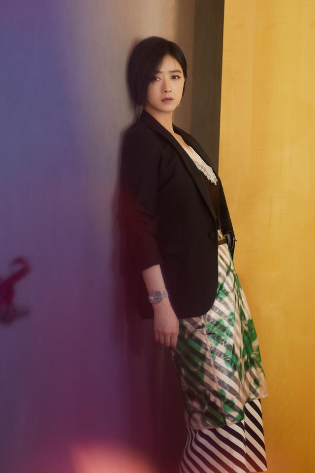 蔣欣的身材太招人喜歡瞭, 雖然看著肉嘟嘟的, 穿緊身裙卻很有魅力-圖8