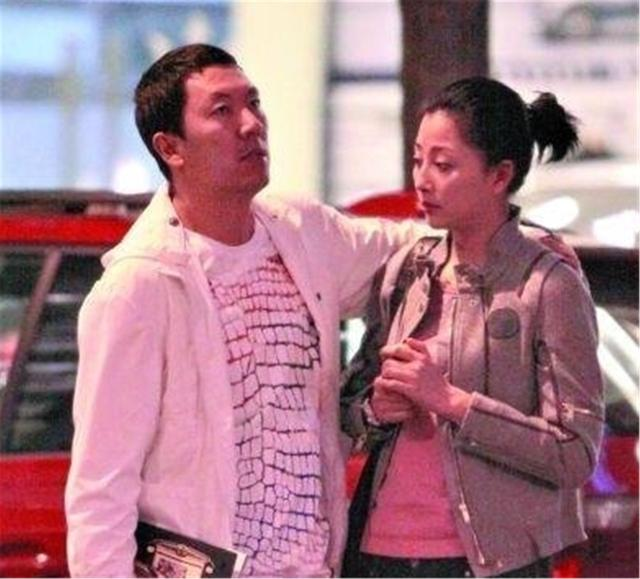 """丈夫入獄10年選擇離婚,緋聞導致她無戲可拍,今成瞭大滿貫""""視後""""-圖7"""