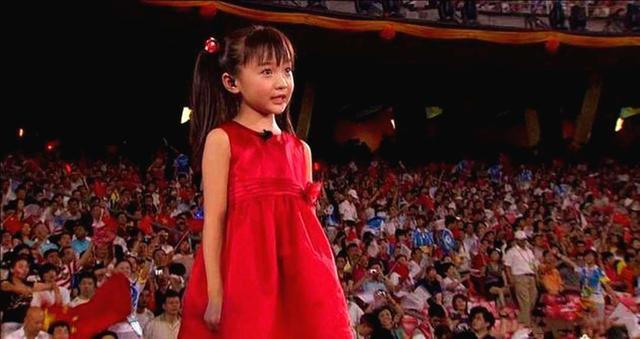 正面回應奧運會假唱, 感謝張藝謀力挺, 童星出道的林妙可長大瞭-圖1