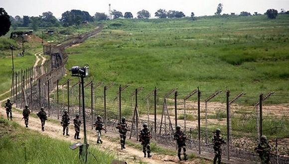 巴基斯坦连续四天炮击印军 边界彻夜开火战至黎明