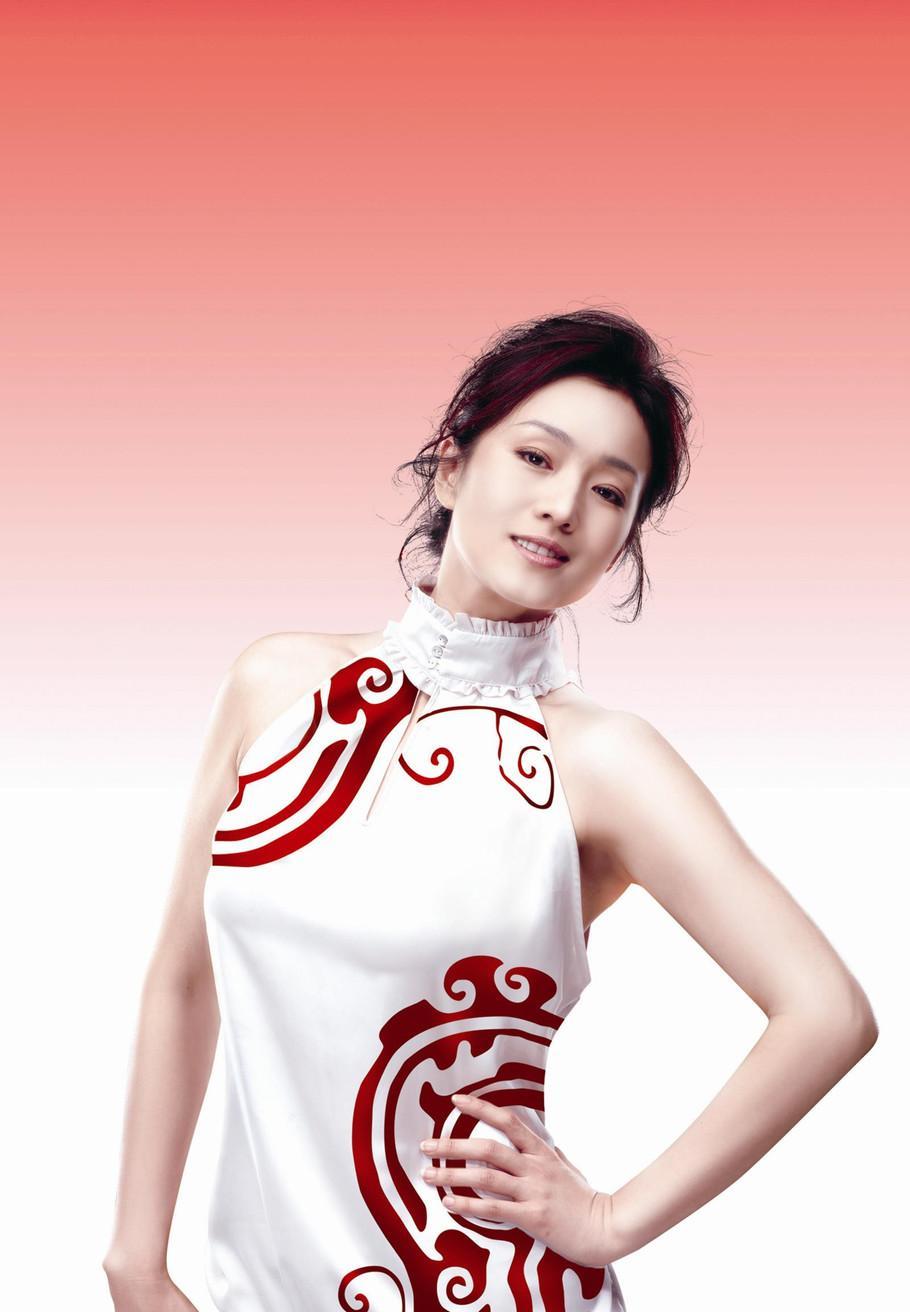身材丰腴的小姐姐穿啥好看? 中国风的高叉旗袍让你秒变女神 3