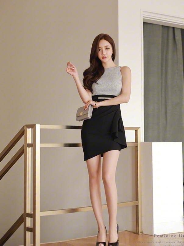 职业短裙被女神这么穿搭, 高端优雅而不是妖艳 2