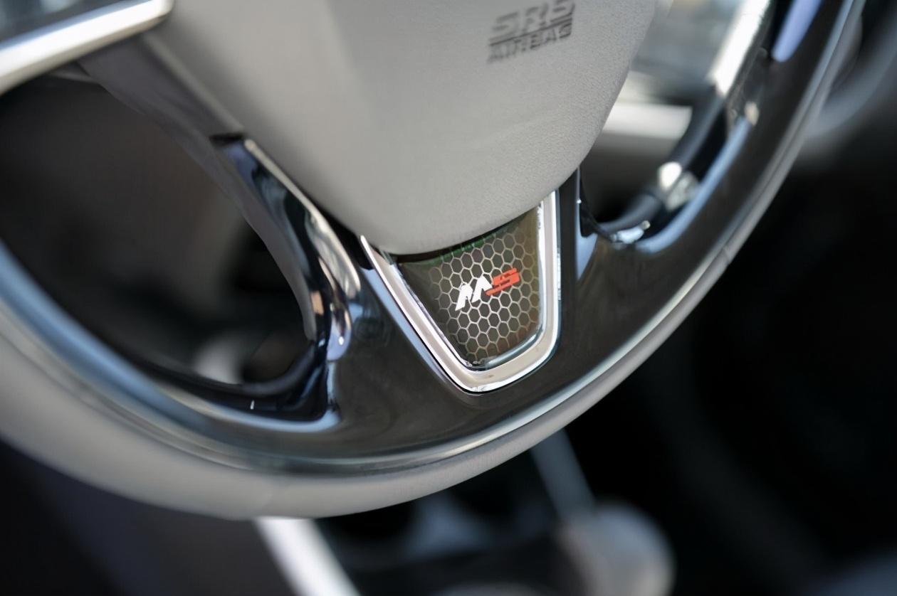 廣汽三菱歐藍德運動版上市 售價14.68-18.18萬元-圖5