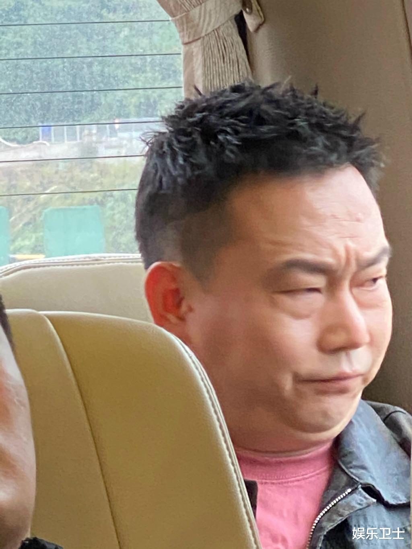 鄧超偷拍《哈哈哈哈哈》嘉賓睡覺,喊話節目組負責,鹿晗周震南等人困到不行-圖10
