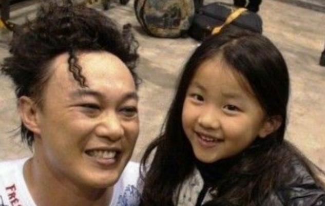 16歲女兒對年輕偶像著迷, 惹天王陳奕迅不滿: 我地位比他們高!-圖5
