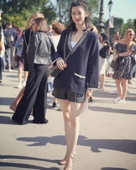 章泽天时装周惊喜逆转 网友: 刘强东要舔屏了 3