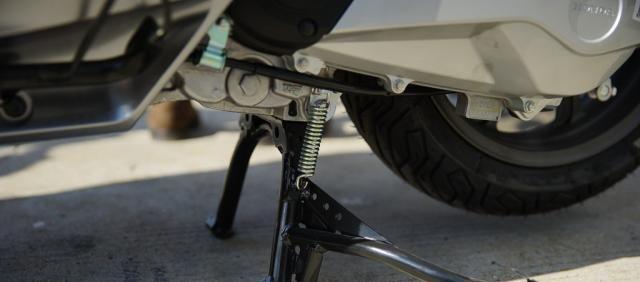 本田最新踏板標桿車, 149CC水冷, 百公裡油耗1.9L, 2.699萬值嗎?-圖28