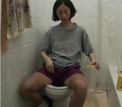 纽约女白领每月仅花费15美元, 上厕所从不用纸