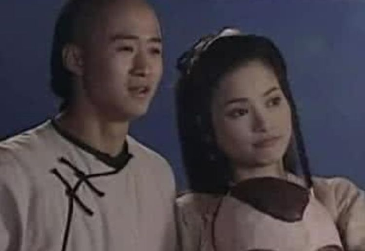 她在吳京最落魄時離開, 轉身嫁入豪門, 如今被分手生活窘迫-圖4
