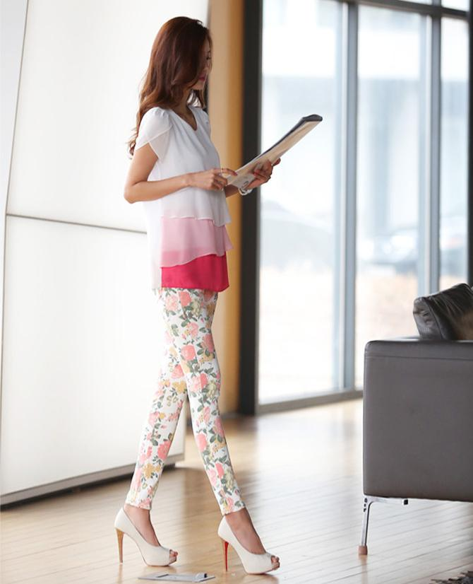 优雅紧身裤将美显现, 美女就是这么美