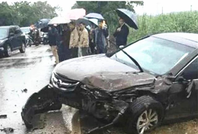比亞迪撞上漢蘭達, 看到車損車主臉都黑瞭: 日系車國產車差距太大-圖5