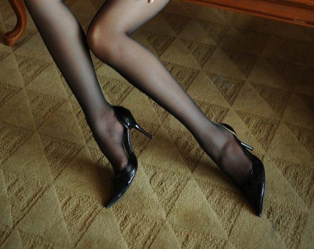 穿丝袜的女人很有女人味 2