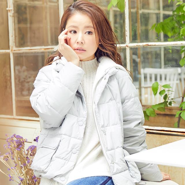 林心如晒照, 41岁还穿的像个小姑娘, 身上的棉衣真是美 2